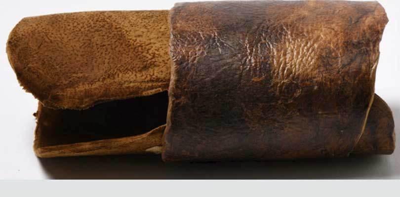 sustainable-alternative-textiles-that-change-your-interiors_deborah_nicholson_decor+design_mushroom-leather
